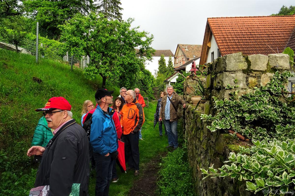 Mühlgraben – Zugang durch die Schindersburg.